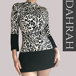 Beautiful Dahrah woman T-shirt, organic stretch cotton with black and white abstract flower pattern.
