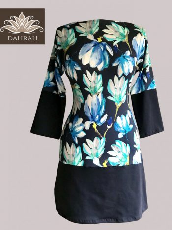 Beautiful Dahrah woman T-shirt, organic stretch cotton with flower pattern on navy blue background.