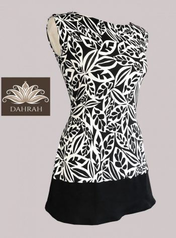 Beautiful Dahrah woman top, organic stretch cotton with black and white abstract flower pattern.