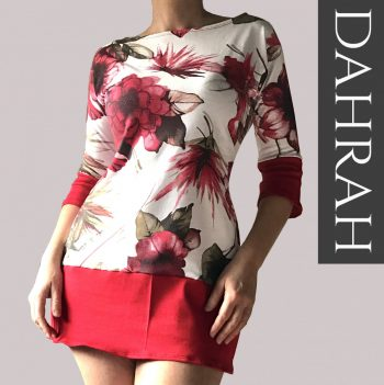 Beautiful Dahrah woman T-shirt in organic cotton, with white and red flower pattern.