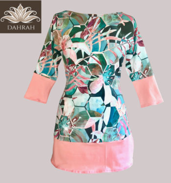 Beautiful woman long T-shirt by Dahrah, organic cotton in coral pink and pastel green-blue shades, perfect for spring and summer.