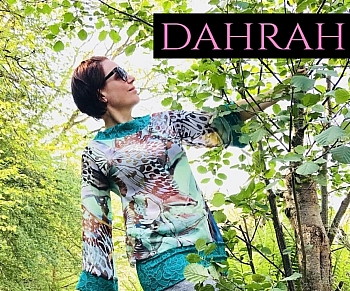 Beautiful Dahrah woman T-shirt, fresh summer georgette with beautiful animal pattern with huge butterflies in green shades.