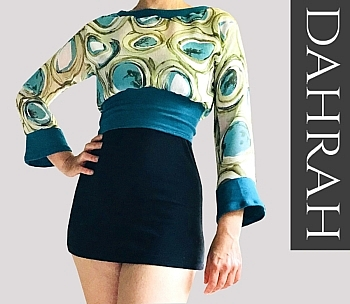 Beautiful green and teal crop top by Dahrah made of very fresh georgette fabric.