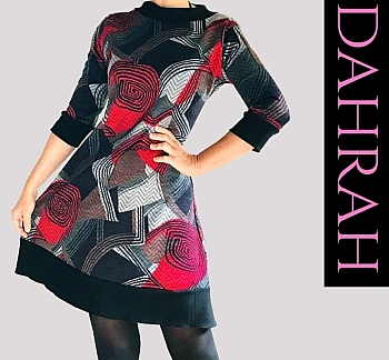 Winter dress by Dahrah in warm viscose fabric with black, grey and red geometrical fantasy.