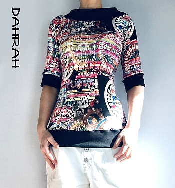 """Beautiful Dahrah woman cotton jersey T-shirt with black and pink colorful pattern """"ethnic style""""."""