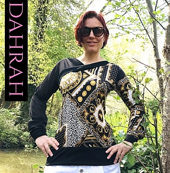 Beautiful and exclusive Dahrah Fashion blouse for the summer, realized in 100% Italian silk, with gold unique patterns on black background.