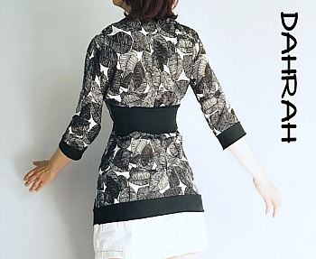 Beautiful Dahrah woman summer blouse in viscose fabric with black and abstract white leave pattern.